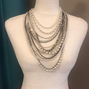 Jewelry - Mixed metals and pearls necklace